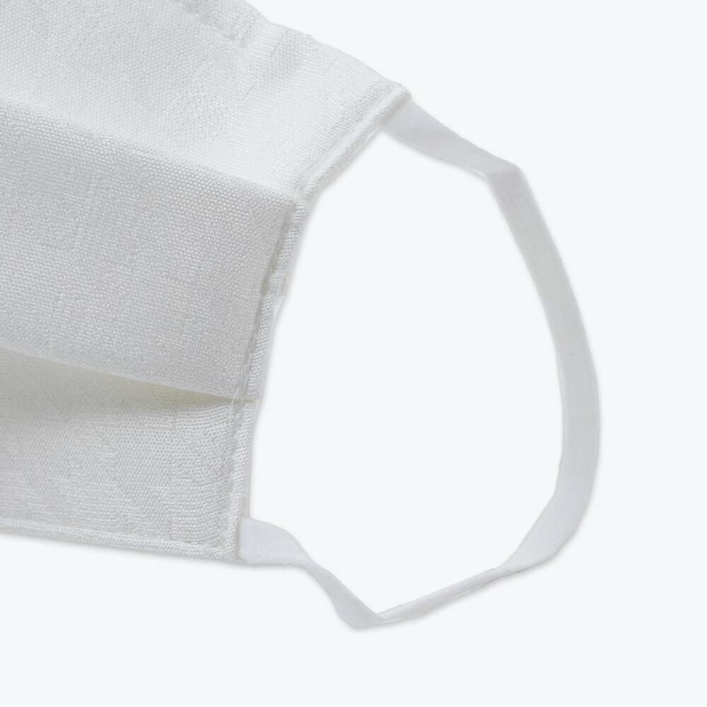 人気の絹マスクに銀イオン糸を織り込んだ抗菌マスク