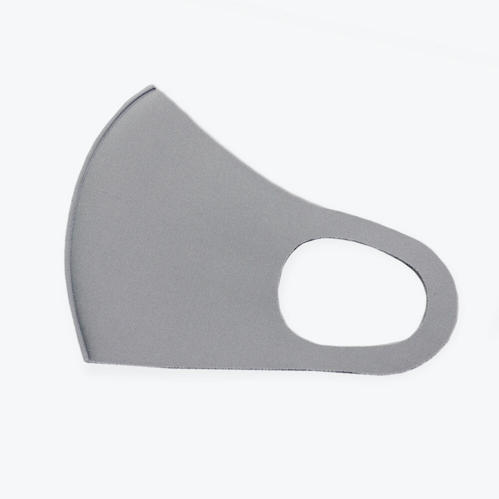 8つの機能を持つ、洗って使えるスポーツ素材マスク(3枚入り)