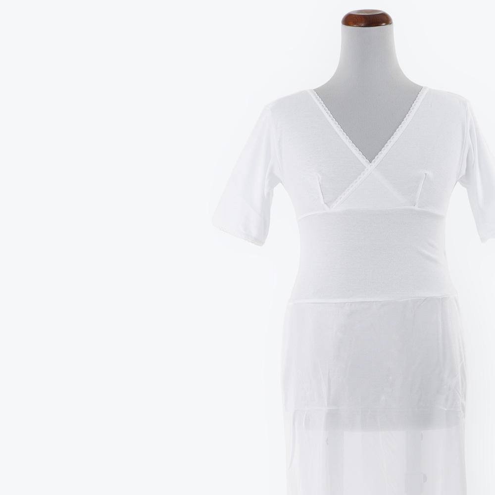 着脱が簡単なワンピースタイプの着物スリップ