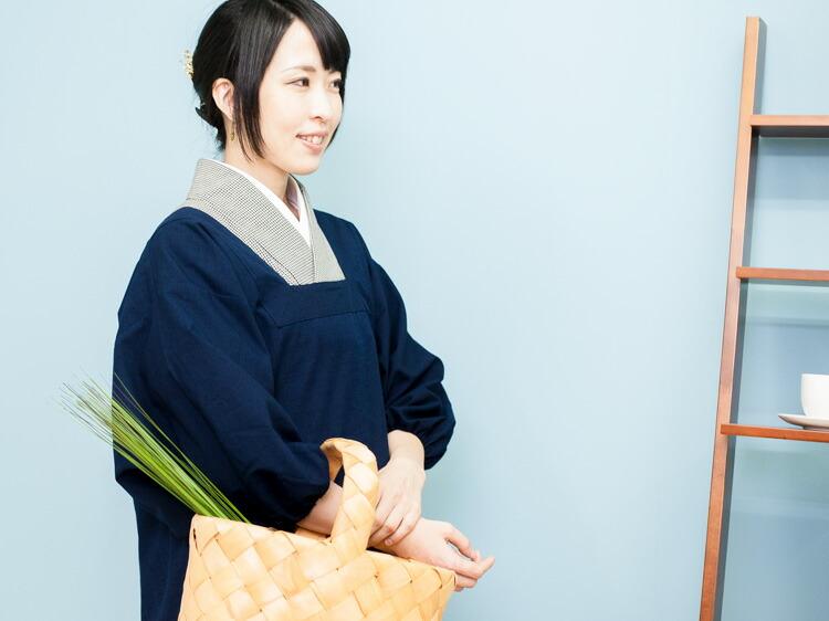 着物用のおしゃれで上質な日本製割烹着