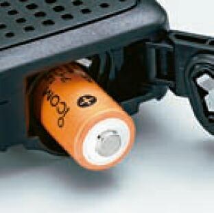 電池1本で約33時間のロングライフIC-4300