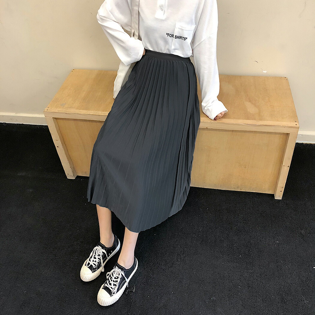 プリーツスカート