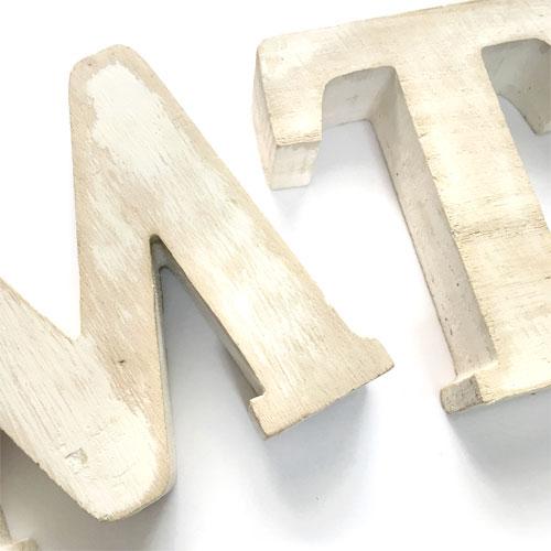アルファベットオブジェ 壁にも掛けられる