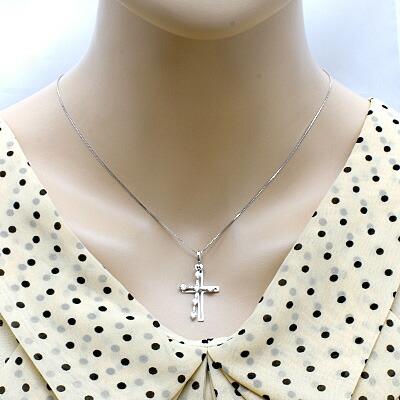 ○K18WG ダイヤモンドネックレス D0.50 クロス ダブルクロス 十字架 スウィング 18金ホワイトゴールド