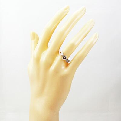 ●K18WG ダイヤモンドリング D0.51/0.15 スクエア シャンパンカラー 18金ホワイトゴールド