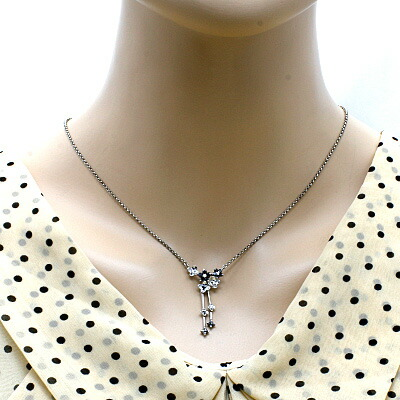 ●K18WG ダイヤモンドネックレス D0.58 花 フラワー 18金ホワイトゴールド