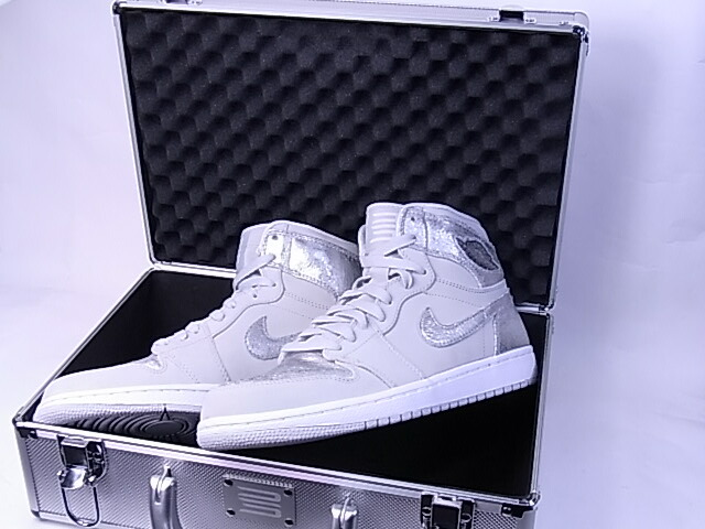 d6f325d2760768 NIKE AIR JORDAN 1 RETRO HI SILVER 25th Anniversary  Nike Air Jordan 1 retro  Hi silver 25th anniversary