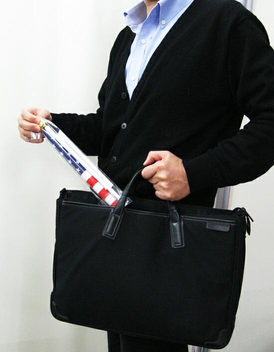 コンパクトな国旗でバッグに入る