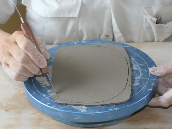 モデリングナイフの商品使用イメージです。