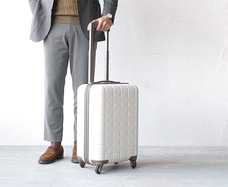 プロテカのスーツケースの魅力と人気の理由