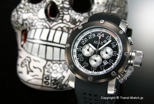 【MAX XL WATCHES】 マックス 腕時計 Chronograph 42mm (クロノグラフ) SS(ブラックIPベゼル) ブラック/ブラックラバーストラップ 5-MAX464