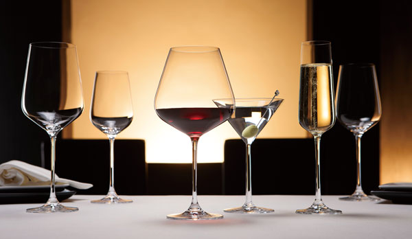 MONTAGNE モンターニュファインクリスタルワイングラス