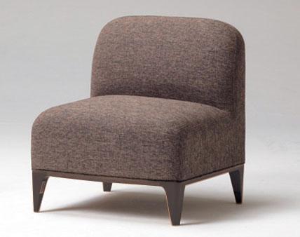 木質裝修在椅子上gif