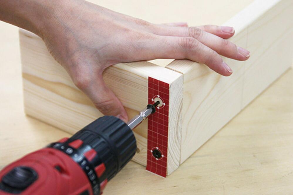 2×4材専用 位置しるべテープ格子柄