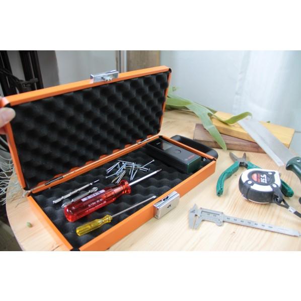 【送料無料】大阪製罐 ツールキーパー オレンジ 高さ335mm(取手含む)x横幅162mm(カギ含む)x厚みD40mm TK-OG 1個