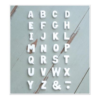 テラコッタアルファベットU ホワイト 奥1.2×高5cm 30497
