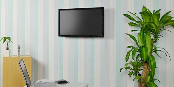 テレビ壁掛けでお部屋が広々しました