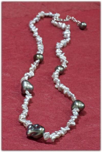 タヒチ産黒真珠&ケシパールネックレス【SV925】クリックで写真が拡大します