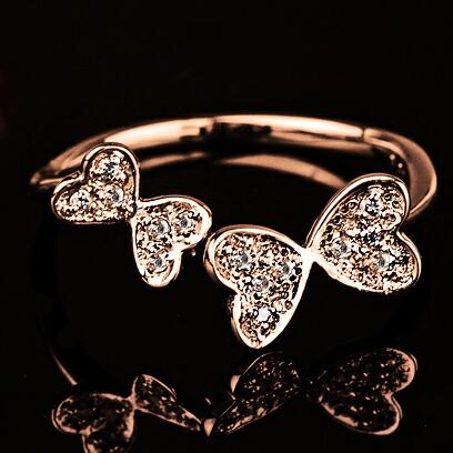 蝶々モチーフダイヤモンドリング【K18Pg】クリックで写真が拡大します