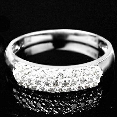 クリックで写真が拡大します ダイヤモンドリング