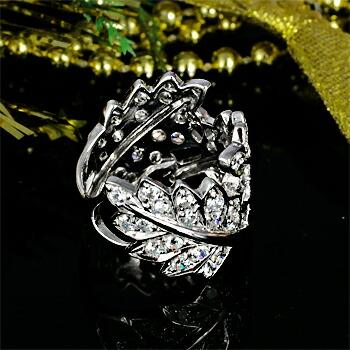 クリックで写真が拡大します K18WG ダイヤモンドリング