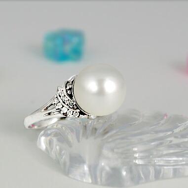 クリックで写真が拡大しますK 白蝶真珠11ミリ K18Wg