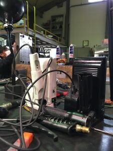 金型現場で頑張る超音波カッターZO-40とZO-41
