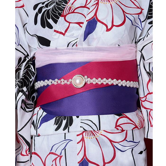 帯は濃いピンクと紫のリバーシブルでお好きなカラーの方で巻いてもらえます。