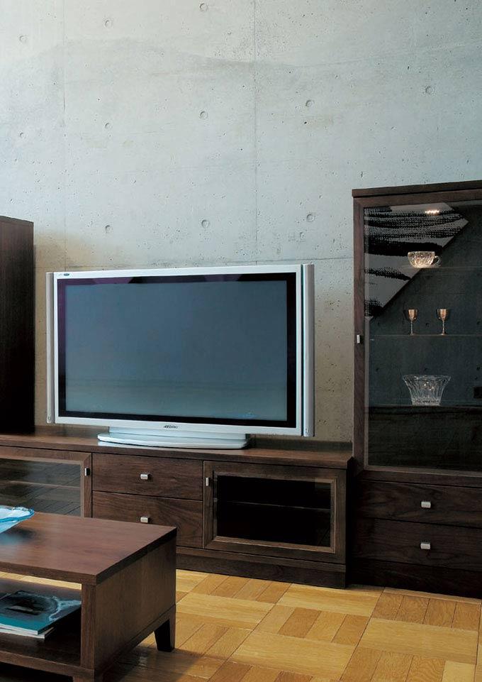 エテルノ ウォールナット材 テレビボードとキュリオの組み合わせ