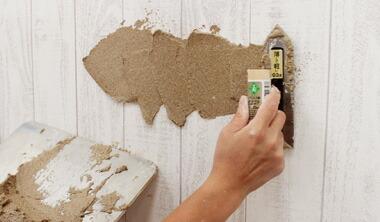 壁紙の上から直接施工する場合