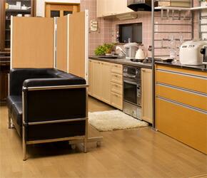 キャスター付きパーテーション キッチンの間仕切りスペースにも