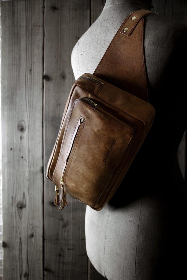 MESH HANDLE SHOULDER BAG