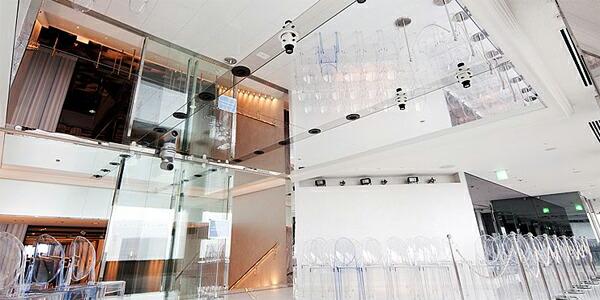 世界貿易センタービルの天井に施行