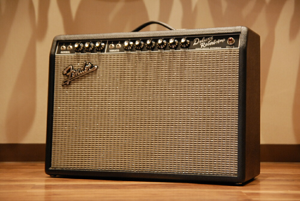 westmusic fender fender 39 65 deluxe reverb ac095044 guitar amplifier combo vacuum. Black Bedroom Furniture Sets. Home Design Ideas