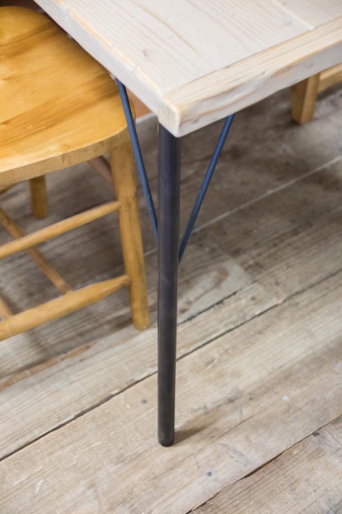 アイアン脚 アイアンレッグ デスク脚 黒皮鉄 男前 独立 DIY アジャスター 渋い おしゃれ かっこいい おすすめ テーブル脚 ダイニングテーブル リビングテーブル
