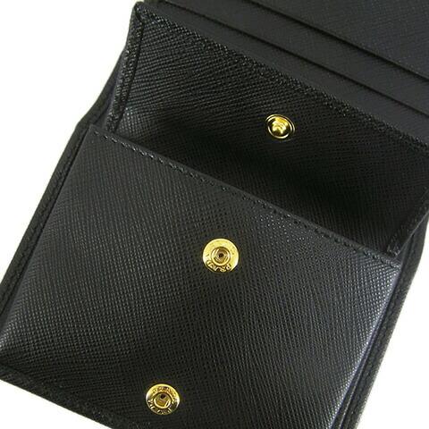 プラダ 財布