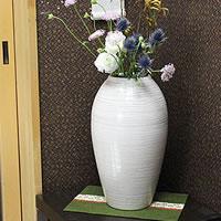 白窯変コンガ花瓶