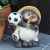 8号サッカー狸