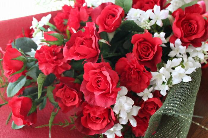 思いっきり豪華な紅いバラの花束