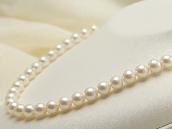 【真珠の本場 伊勢志摩よりお届け】ほんのり淡いグリーン♪8.5~9.0mmあこや本真珠ネックレス