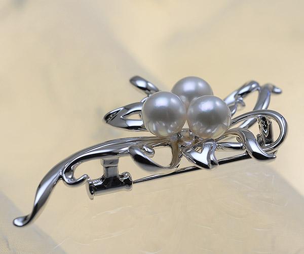 【真珠の本場 伊勢志摩よりお届け】上品な淡い色目♪7.0mmあこや本真珠パールブローチ【br0077】