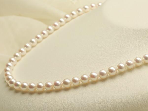 【真珠の本場 伊勢志摩よりお届け】華やかピンクが美しい♪6.5〜7.0mmあこや本真珠 パールネックレス【nc0394】(右側アップ)