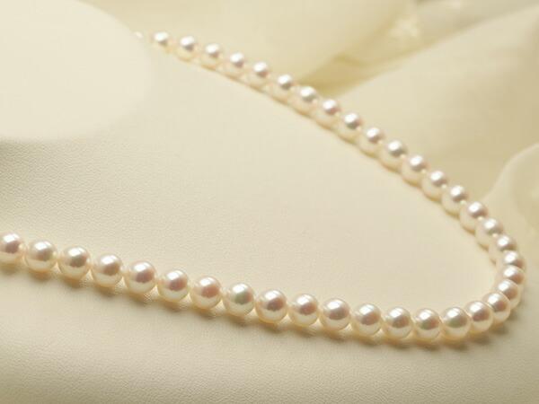 【真珠の本場 伊勢志摩よりお届け】華やかピンクが美しい♪6.5〜7.0mmあこや本真珠 パールネックレス【nc0394】(左側アップ)