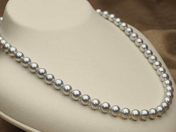 【真珠の本場 伊勢志摩よりお届け】艶やかな上品グレー♪7.0-7.5mm あこや本真珠シルバーグレーパールネックレス【nc0567】(左側)