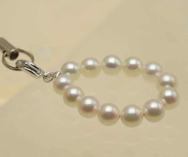 【真珠の本場 伊勢志摩よりお届け】ほんのりピンク♪あこや本真珠(6.0mm珠 13個使用)  パール携帯ストラップ【st0016】