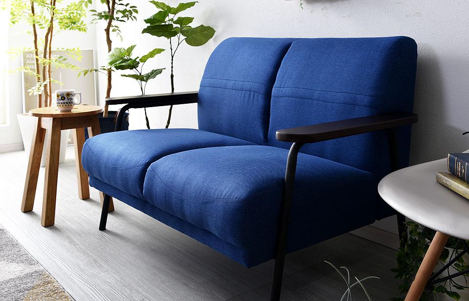 ヴィンテージテイストのソファー