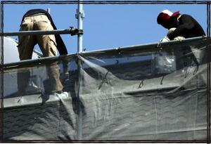防炎ラッセルメッシュシート 塗装現場 建築現場 飛散防止メッシュシート 足場単管に設置