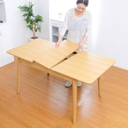 アッシュ材のぬくもり 伸縮式ダイニングテーブル