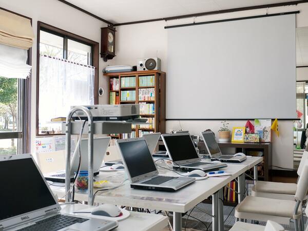 「シニアのためのパソコン教室」で使用します