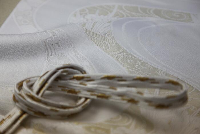 【フォーマル・礼装用】古典文様 金糸刺繍入り 白地の正絹帯揚げ